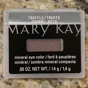 Mary Kay Truffle eyeshadow eye color